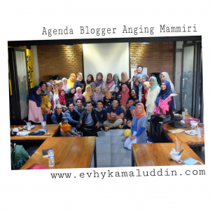 Foto bersama para blogger yang hadir di Tudang Sipulung Blogger Anging Mammiri