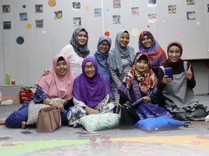 10 bloger perempuan yang menjadi peserta kegiatan Design The Unlimited You