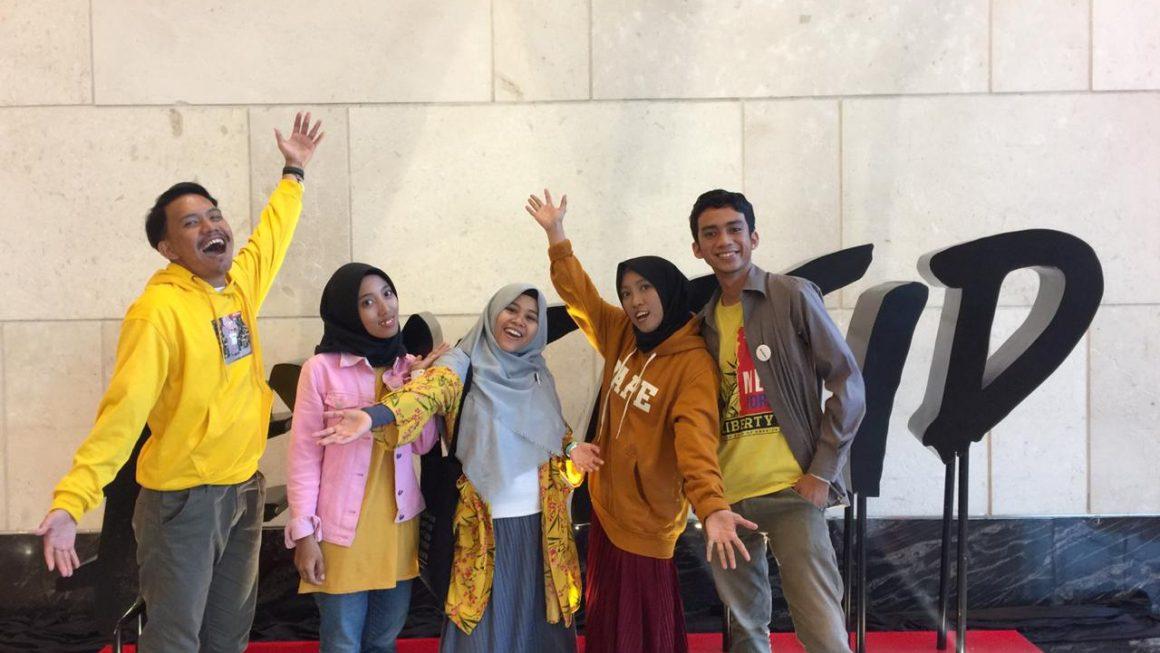 Foto bersama pemenang tiket meet & Greet Kreator Favorite dari IM3Ooredoo