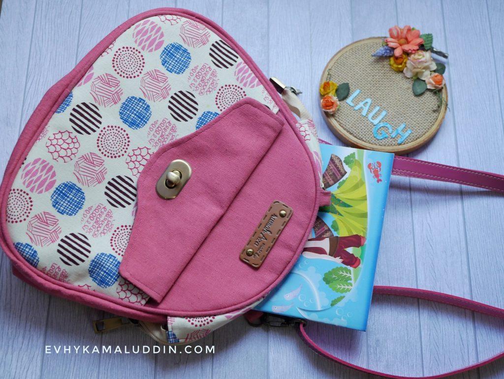 Tas Cantik untuk bepergian atau ke sekolah by Rumah Craft Aza