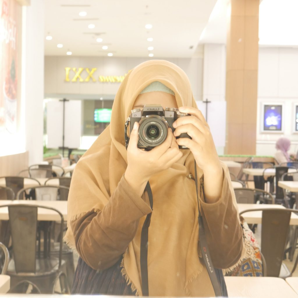 Elementor #2088 Travel and Food Blogger by Evhy Kamaluddin